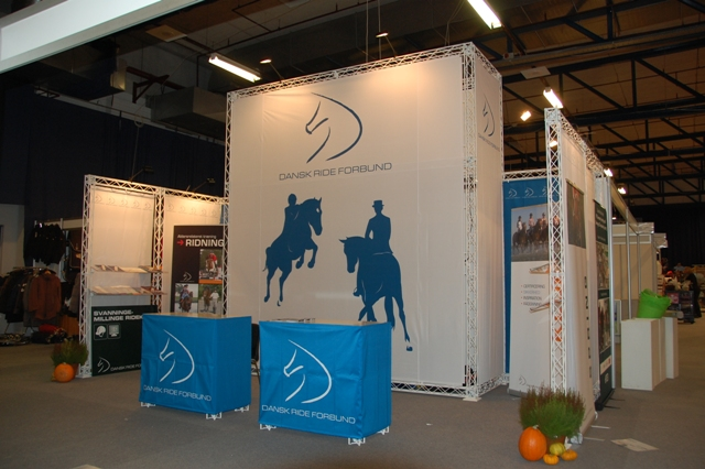 Messestand til dansk rideforbund for Stand lille